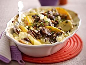 Kürbis-Kartoffel-Auflauf mit Champignon-Haube Rezept