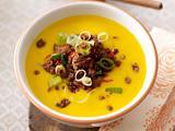 Kürbis-Kartoffel-Suppe mit Hack-Lauchzwiebel-Topping Rezept