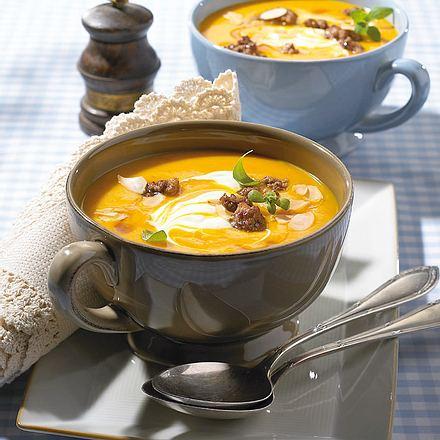 Kürbis-Orangen-Suppe mit Hack Rezept