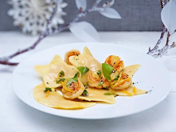 Kürbis-Ricotta-Ravioli mit Garnelen Rezept