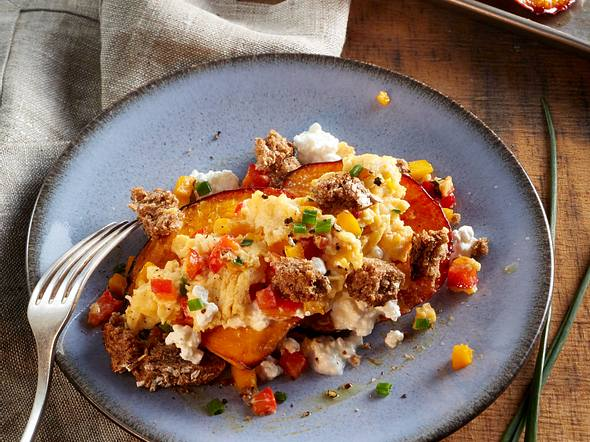 Kürbis-Schnitten mit Ei und Hüttenkäse Rezept