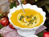 Kürbis-Suppe mit Apfel-Pesto Rezept