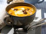 Kürbis-Suppe mit Hack Rezept