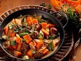 Kürbis-Zucchini-Pfanne mit Hackbällchen Rezept