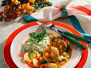 Kürbisfrikadellen mit Senfsoße, Kräuterpüree und Gemüse Rezept