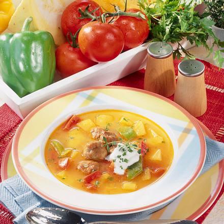 Kürbissuppe mit Brätbällchen Rezept