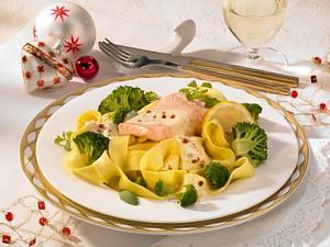 Lachs in Weißweinsoße zu Broccoli Rezept
