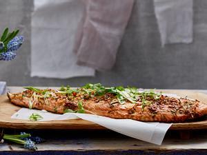 Lachs mit Ingwer-Koriander-Marinade mit Reis und grünem Spargel Rezept