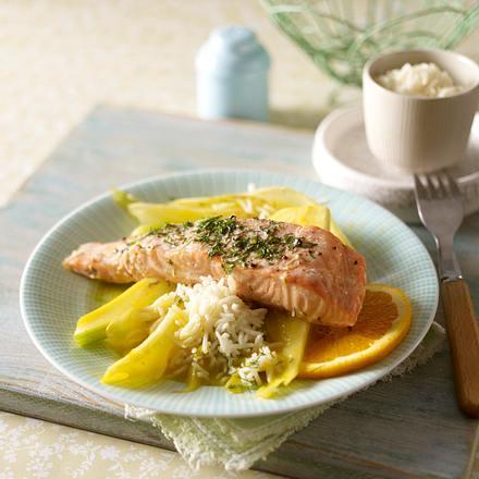 Lachsfilet auf Fenchel und Reisbett Rezept