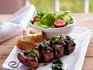Lamb kebabs with a wild garlic baste Rezept