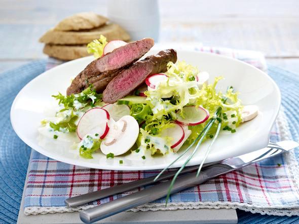 Lammfilet auf Frisée-Salat Rezept