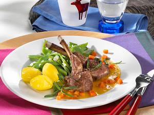 Lammkoteletts mit Möhrensoße Rezept