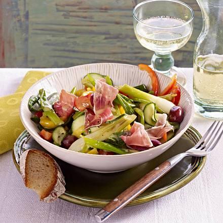 Lauchzwiebelsalat mit Serranoschinken Rezept