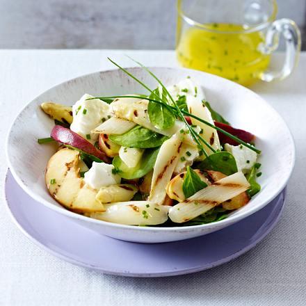 Lauwarmer Spargel-Pfirsich-Salat Rezept