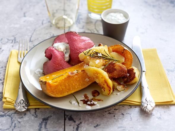 Lauwarmes Roastbeef zu Butternutkürbis & Knoblauchkartoffeln Rezept