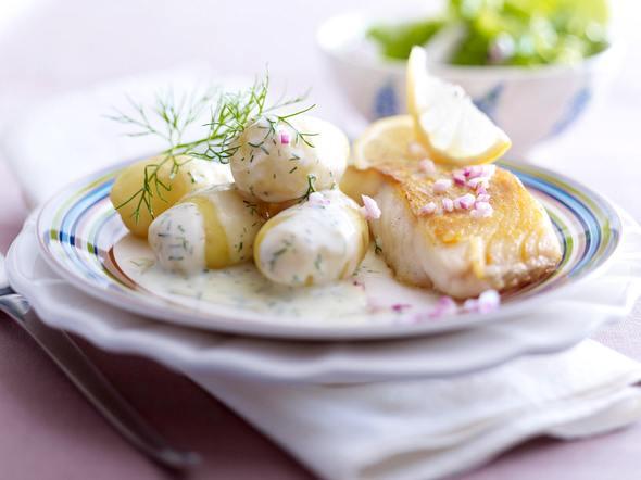 Leichte Dill-Béchamel-Kartoffeln zu gebratenem Kabeljaufilet Rezept