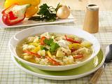 Leichte Kartoffel-Sauerkraut-Suppe mit Crème légère Rezept