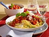 Leichte Nudeln mit Tomaten-Gemüsesoße Rezept