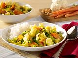 Leichtes Gemüsecurry mit Reis Rezept