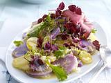 Lila-gelber-Kartoffelsalat mit Roastbeef und Meerrettich-Vinaigrette Rezept