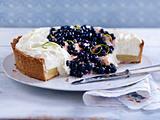 Limetten-Frischkäse-Pie mit Heidelbeeren Rezept