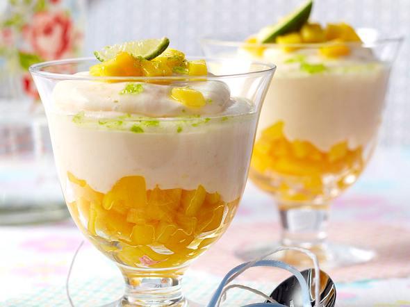 Limetten-Joghurtcreme mit frischer Mango Rezept