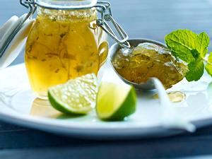 Limetten-Marmelade à la Caipirinha Rezept