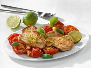 Limetten-Putenschnitzel auf geschmorten Tomaten Rezept