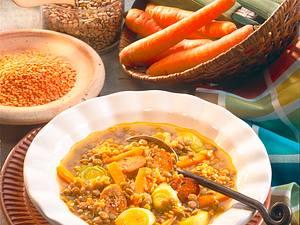 Linseneintopf mit Gemüsebratwürstchen Rezept