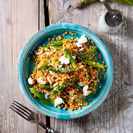 Linsensalat mit grünem Spargel und Ziegenkäse Rezept