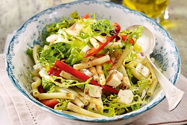 Lunchsalat à la Macaroni and Cheese Rezept