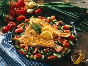 Maischolle mit Tomaten- Lauchzwiebel-Dillgemüse Rezept