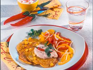 Maisküchlein mit Chili-Quark und Paprika-Salat Rezept