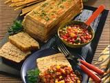 Makkaroni-Pastete mit Paprika-Tomatensoße Rezept