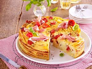 Makkaroni-Torte mit Kirschtomaten, Schinken und Ricotta-Eiermilch Rezept