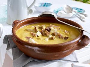Mallorquinische Hühnersuppe mit Mandeln (Sopa Boba) Rezept
