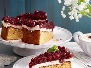Mallorquinischer Mandelkuchen mit Mascarpone und Kirschen Rezept