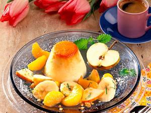 Mandel-Grieß-Flan mit Obstsalat Rezept