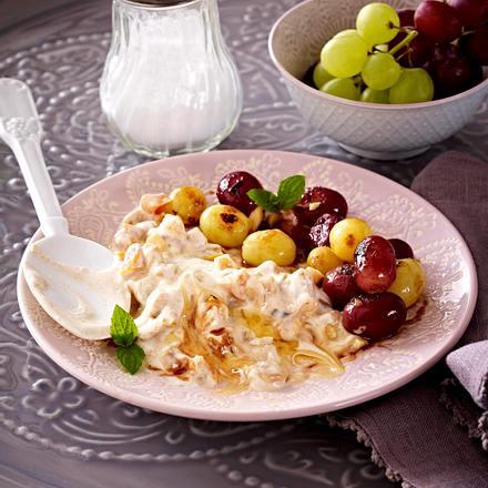 Mandel-Joghurt mit Trauben Rezept