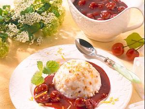 Mandelreishütchen mit Kirschsoße Rezept