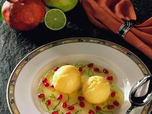 Mango-Joghurt-Eis auf Limettensoße mit Granatapfel Rezept