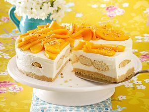 Mango-Tiramisu-Torte mit Haselnuss-Krokant Rezept