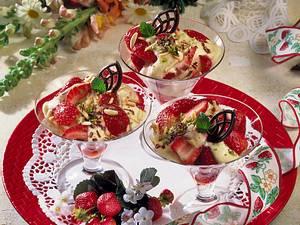 Marinierte Erdbeeren mit Aprikosencreme Rezept