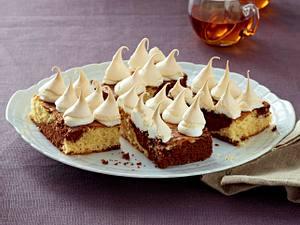 Marmor-Brownie-Kuchen mit Schneemützchen Rezept
