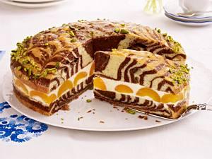 Marmor-Rührkuchen mit Aprikosen und Zitronensahne Rezept