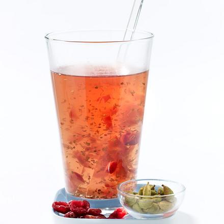 Matetee mit Cranberry und Kardamom Rezept