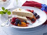 Maulbeeren-Parfait mit Sommerfrüchten Rezept