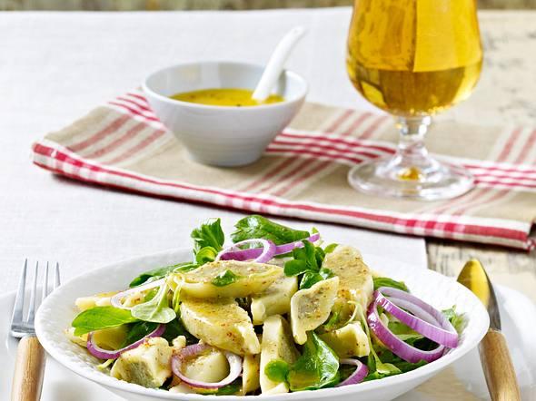 Maultaschensalat mit Feldsalat Rezept