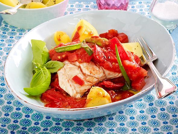 Mediterranes Fischfilet auf Tomatenragout Rezept