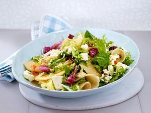 Melonen-Schafskäse-Salat mit süß-scharfer Asiasoße Rezept